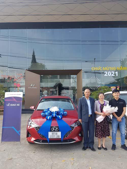 Bàn giao xe Hyundai Accent 2021