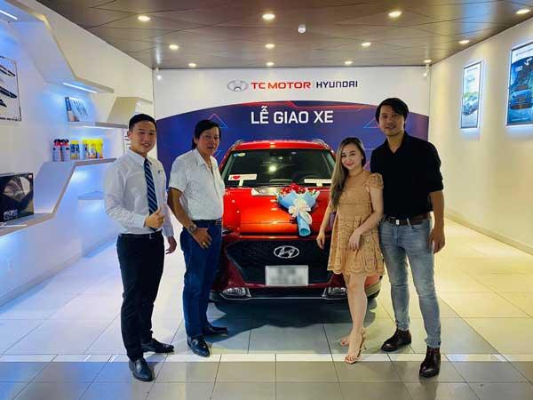 Bàn giao xe Hyundai SantaFe 2021