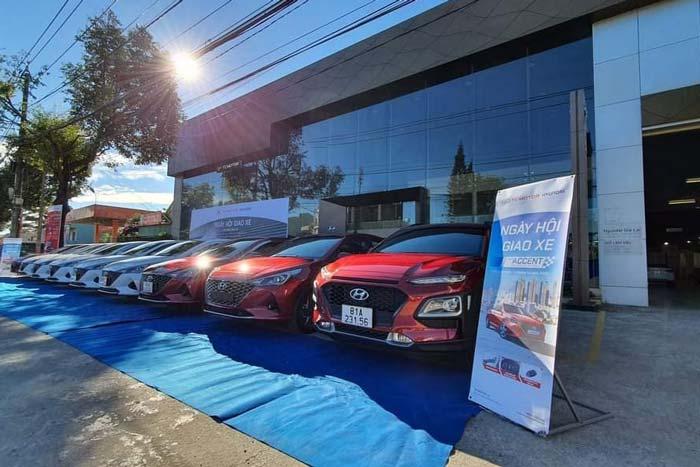 Lễ bàn giao xe Hyundai Accent 2021